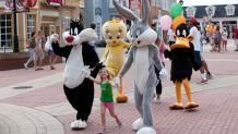 Daffy Duck's Dance Off
